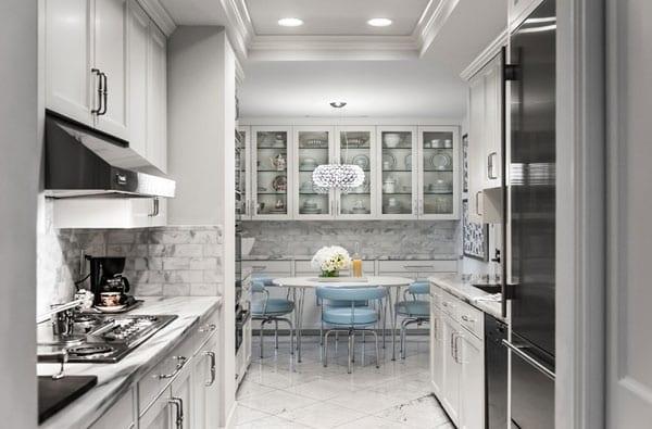 Черно-белый интерьер квартиры дизайнера из США