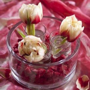 Идеи украшения интерьера весенними цветами