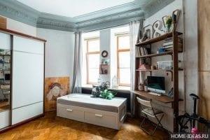 Интерьер для гостиной комнаты для среднего класса