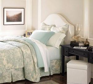 Интерьер маленькой спальни: красиво и уютно