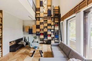 Минималистичный интерьер двухэтажного дома в Польше