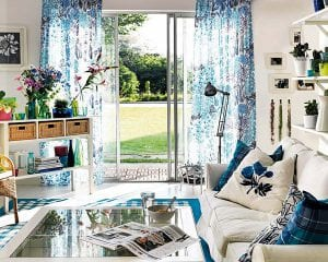Подбираем цвет штор для маленькой гостиной