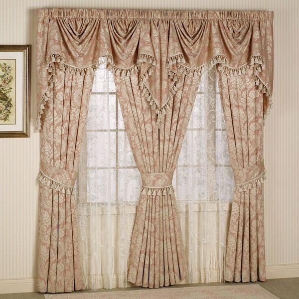 Стильные модели штор для красивой спальни