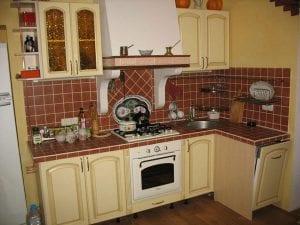 Уютные кухни для типовых квартир руками домашних умельцев